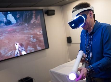 Mingelaktiteter vr virtual reality rymdäventyr